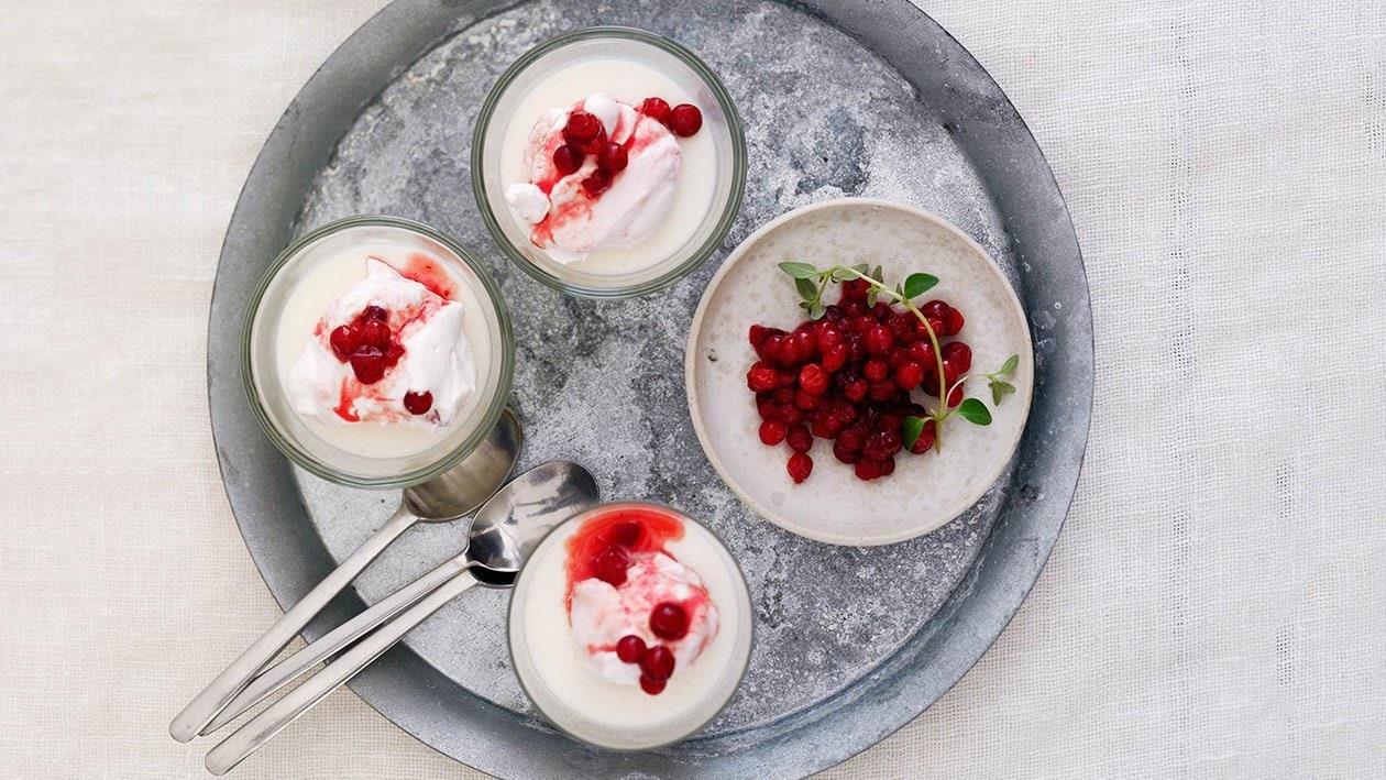 Vaniljavanukas ja vadelma-puolukkamousse – Resepti