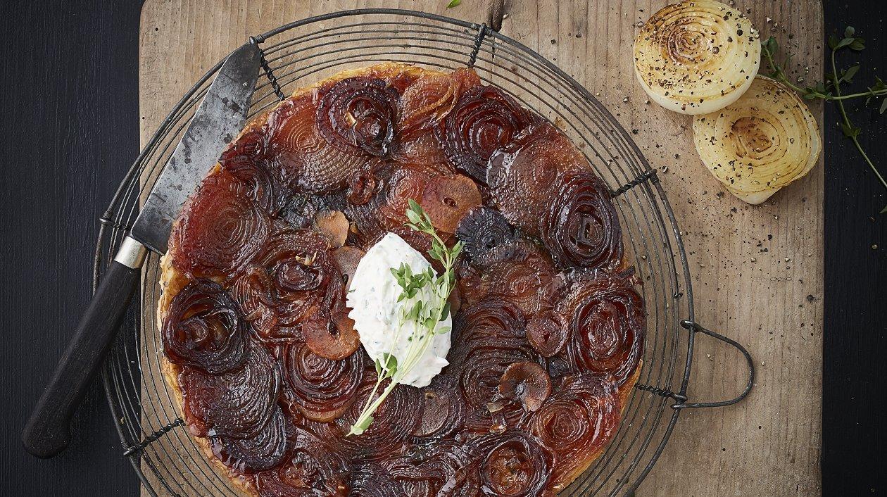 Oluinen sipulipiiras – Resepti
